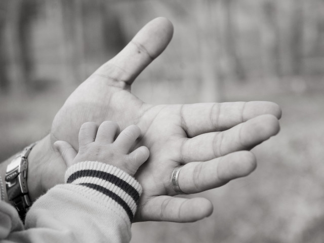 40-fathers-hand